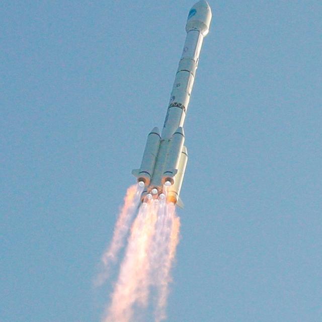 """#科学燃计划# 中国航天传来捷报:9月15日09:23分,长征11号火箭以""""一箭九星""""方式在黄海海上发射成功!这是中国航天第二次海上发射成功。 本次发射的九颗卫星为""""吉林一号""""星座卫星,为太阳同步轨道卫星,包括""""哔哩哔哩视频卫星""""、""""央视频号""""卫星在内的3颗视频卫星和6颗推扫卫星组成,由中科院长光"""